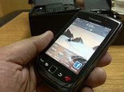 Apple iPhone 4G 32GB Blackberry Torch 9800